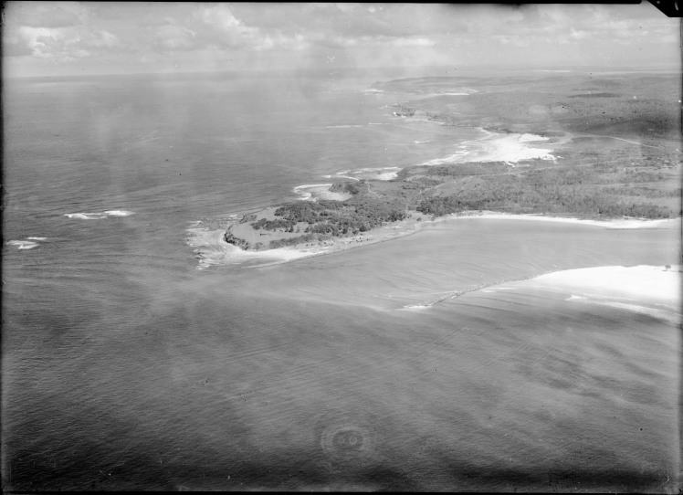 Lake Macquarie Entrnace, Swansea Heads, Reid's Mistake, Signal Staion, Northcote Avenue, Caves Beach. (Photograph by Milton Kent Airplane Photographs, Sydney. Southern No. 72.6.-.-.1935.jpg)